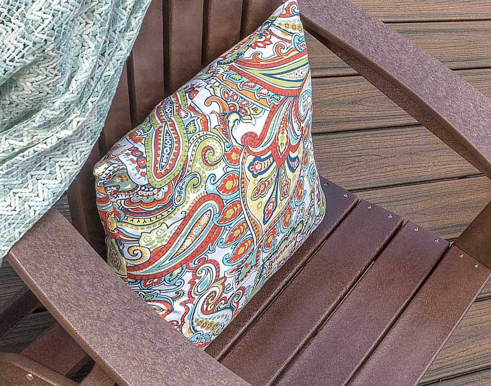 Trex-Furniture-Blog-Pillows