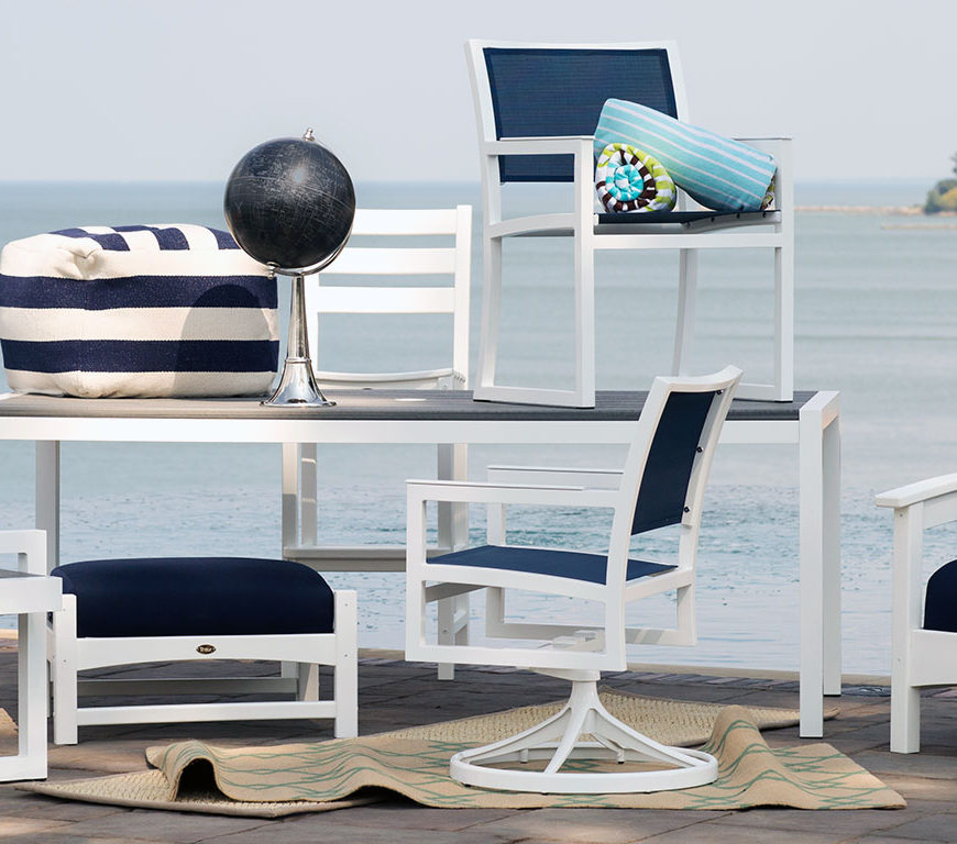 Choose-the-right-Outdoor-Furniture-Trex-Furniture-FEATURED-Wide